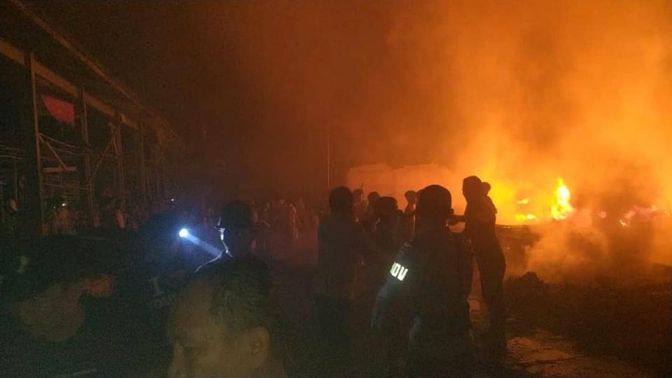 Kebakaran di Kompleks Pasar Tompasobaru Kerugian Capai Milyaran Rupiah