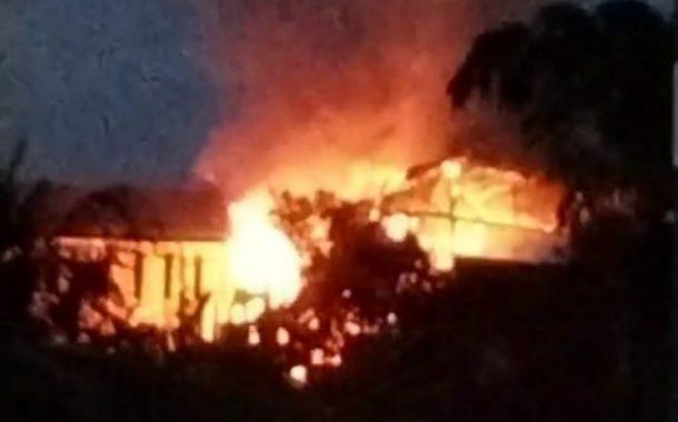 Diduga Akibat Arus Pendek Listrik, Rumah Warga Bailang Terbakar